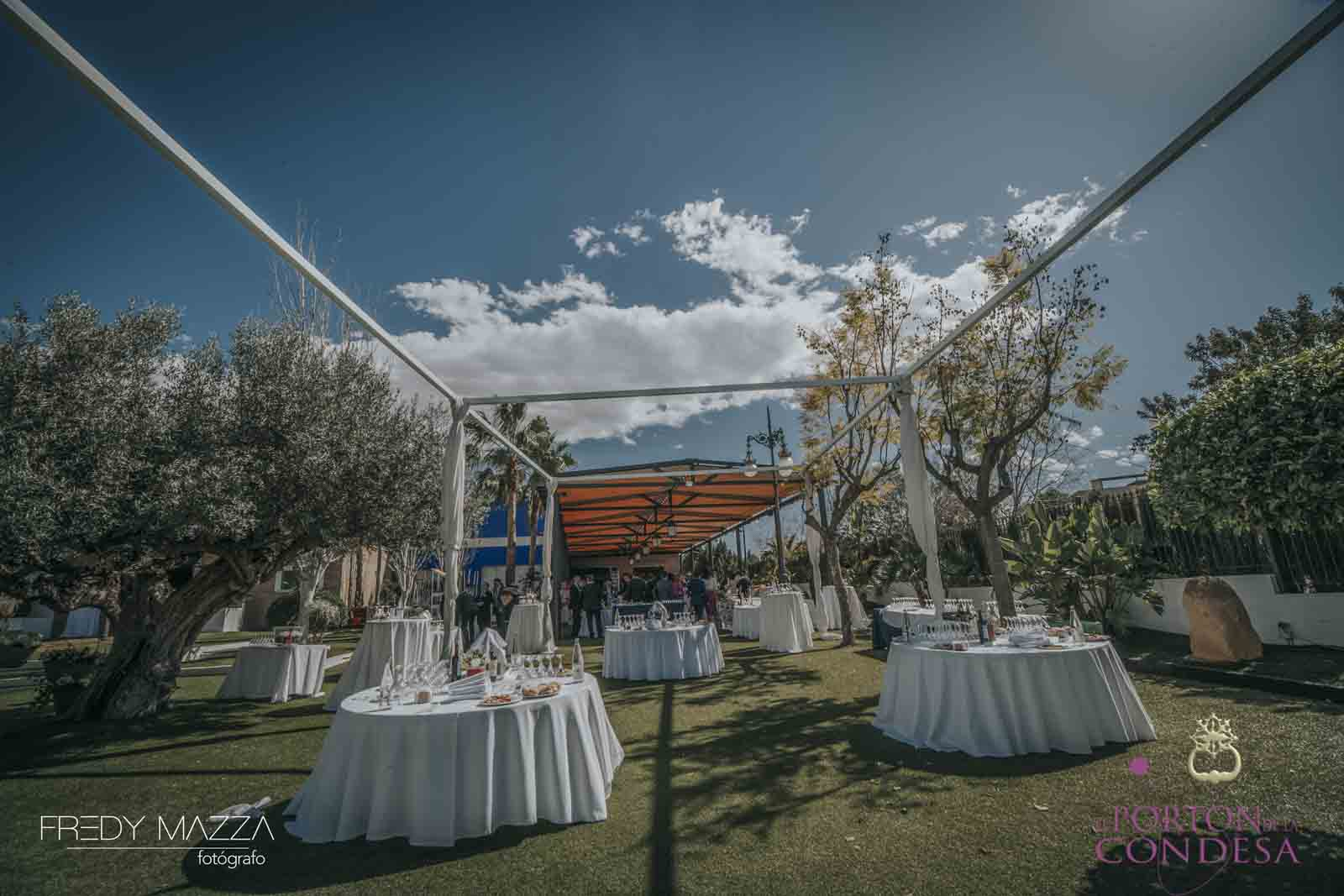 Celebraci n boda el port n de la condesa salones de for Acuario salon de fiestas